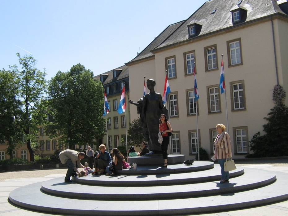 Piata Armelor - Luxemburg (2)