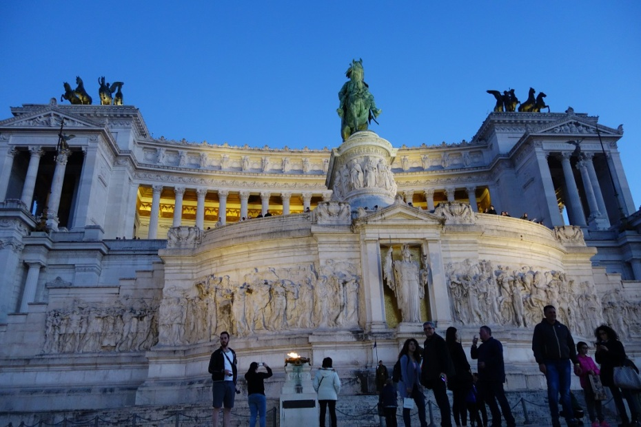 Monument-Victor-Emanuel-II-Roma