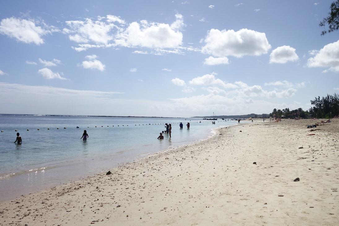 flic en flac beach mauritius 2017