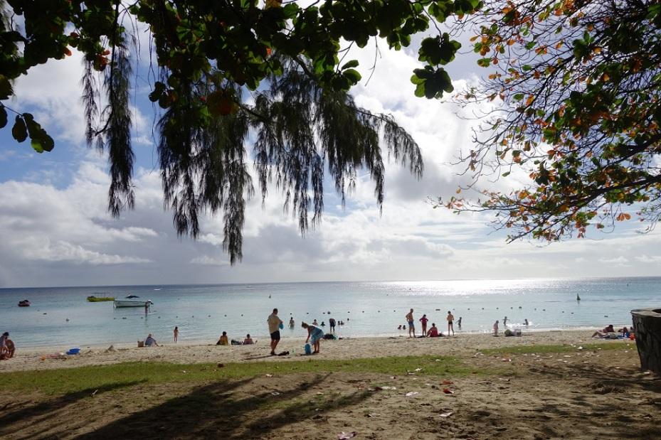 troux-aux-biches beach mauritius 2017
