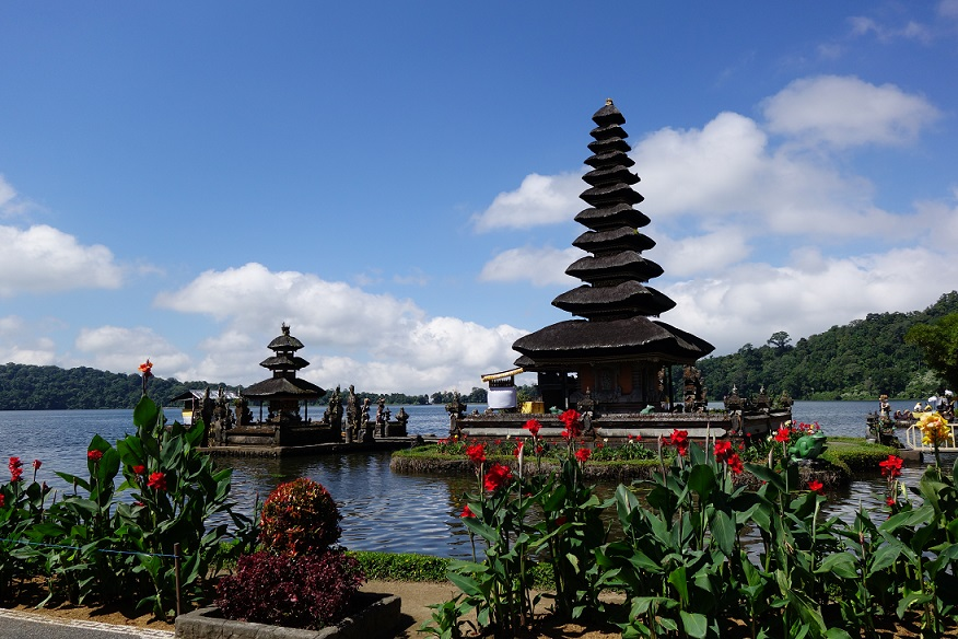 Templul Ulun Danu Beratan-Bali